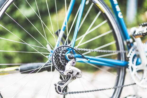 Лжеинкассатор на велосипеде вынес из автосалона в Ярославле 5 млн рублей