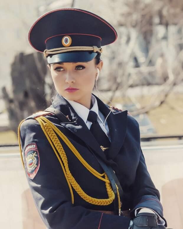 Как выглядит самая красивая полисвумен Москвы