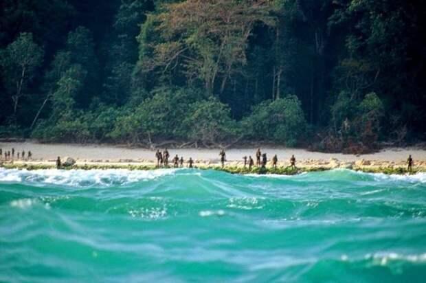 Контакт с местным племенем не был налажен по сей день / Фото: exodif.com
