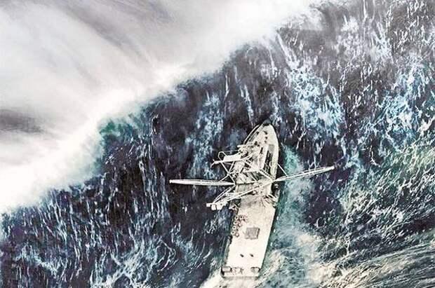 Северокорейские суда укрывают от тайфуна в приморской бухте