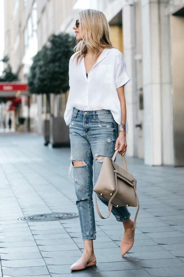 Как актуально носить рваные джинсы?