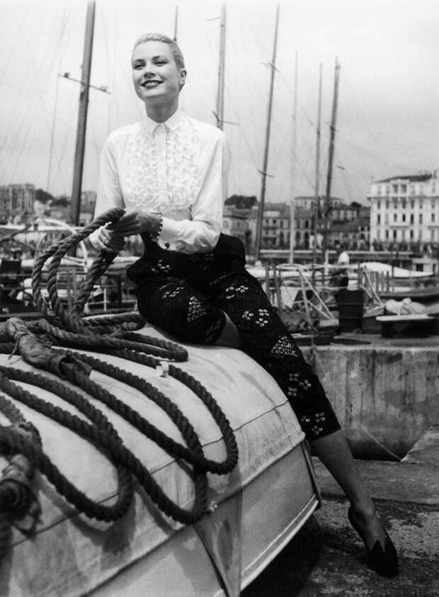 Пленительно прекрасная Грейс Келли на Каннском фестивале в 1955 году.