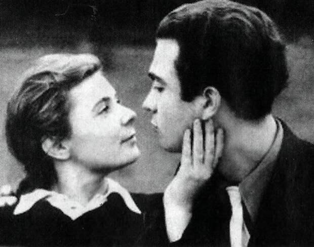 Ольга Аросева и Владимир Сошальский (http://m.kino-teatr.ru/teatr/acter/w/ros/215/foto/367326/)