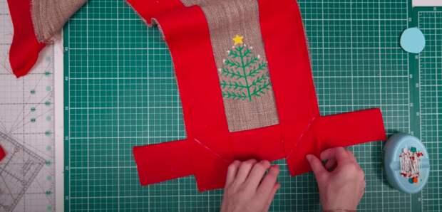Трансформируем остатки тканей в красивую дорожку на праздничный стол