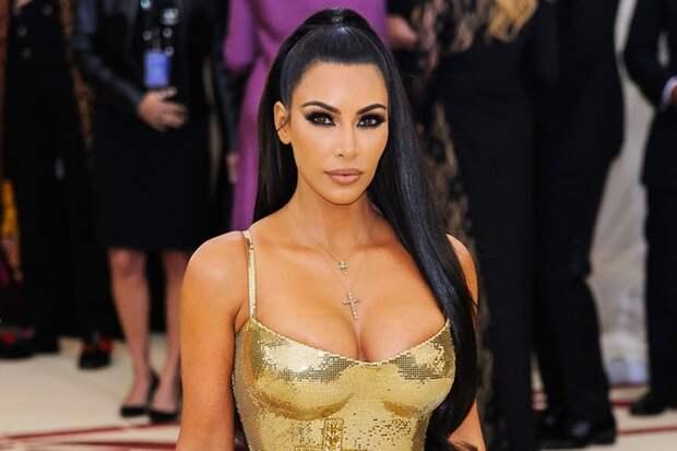 Неужели все так плохо: Ким Кардашьян стала служанкой