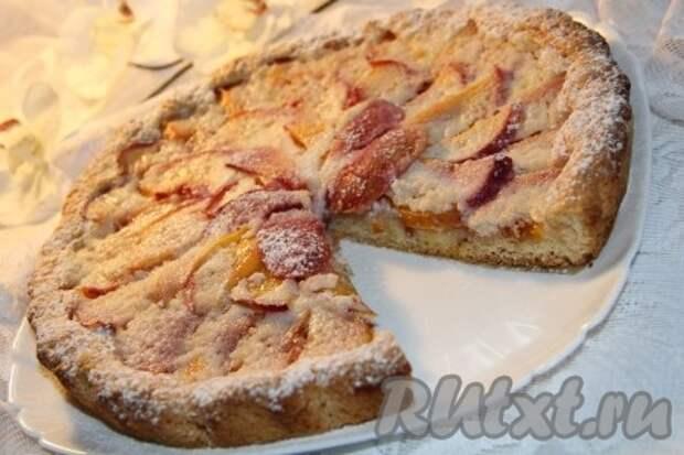 Открытый пирог с фруктами