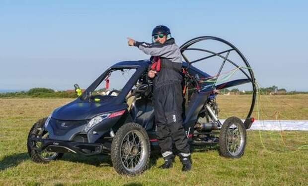 Француз, летевший на аэромобиле через Ла-Манш, закончил путешествие в воде