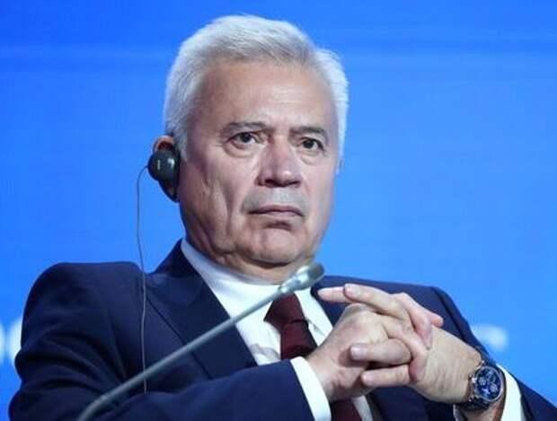 Алекперов рассчитывает на восстановление спроса на нефть к концу года на 95% от докризисного уровня - ИФ