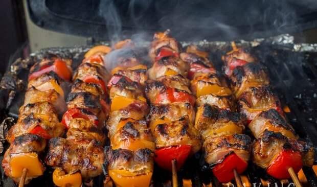 Божественное угощение для ваших гостей: Кебаб из свинины в беконе