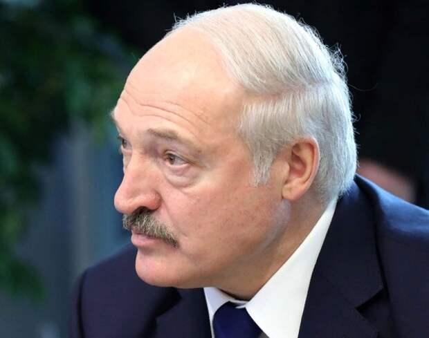 "Лукашенко предупредил о ""дуге нестабильности"" на границе Белоруссии"
