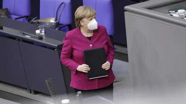 Меркель поставила первый компонент препарата AstraZeneca от COVID-19