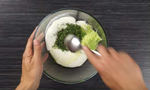 Смешиваем кефир со сметаной: моментальный завтрак на завтра