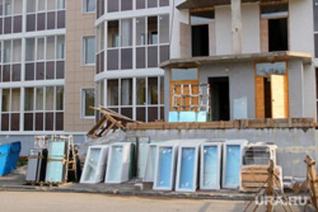 Россиян могут заставить заменить пластиковые окна в квартирах после взрыва в Магнитогорске