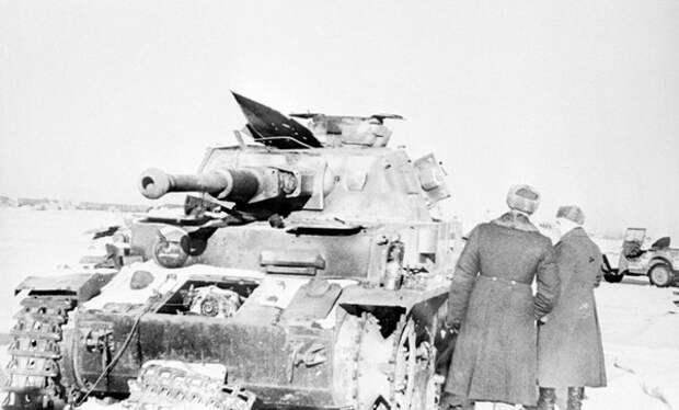 Подвиг снайпера Ильи Каплунова под Сталинградом: как в бою уничтожить 9 немецких танков