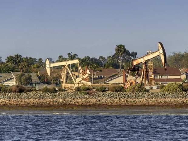 Цена на нефть Brent закрепилась выше $67,5 за баррель