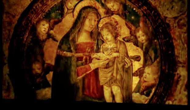 в образе Мадонны изображена Джулия.