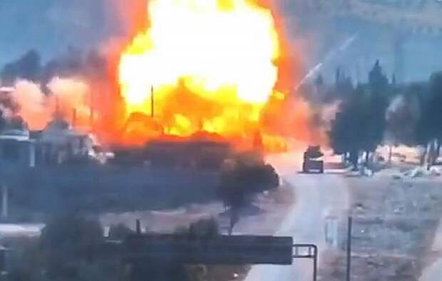 Появилось видео подрыва российско-турецкой колонны в Сирии