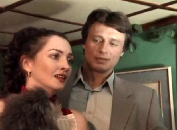 Елена Костина и Анатолий Лобоцкий в фильме «На углу у Патриарших-3» (2003)
