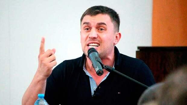 Бондаренко заявил, что российские власти собираются выделить 21 млн долларов для школ Таджикистана