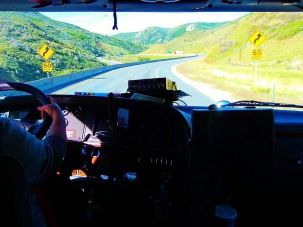 Работа трак-драйвером в США: как стать дальнобойщиком