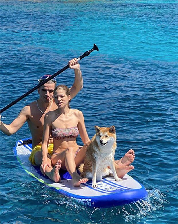 Александра Новикова и Feduk отдыхают на Сардинии