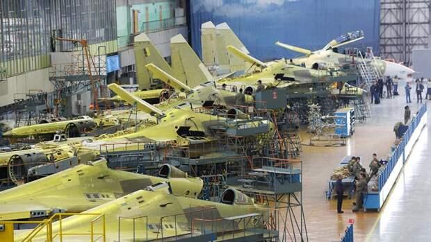 Сборка российских истребителей Су-30СМ на авиационном заводе корпорации «Иркут»