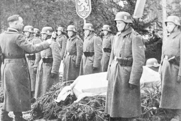 «Убитые энкаведистами и бандитами Армии Крайовой». Долинский напомнил, кому «патриоты» возвели крест в Гуте Пеняцкой