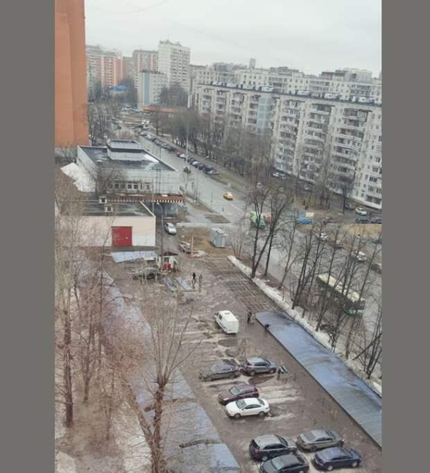 В проезде Шокальского появится торговый центр на месте парковки