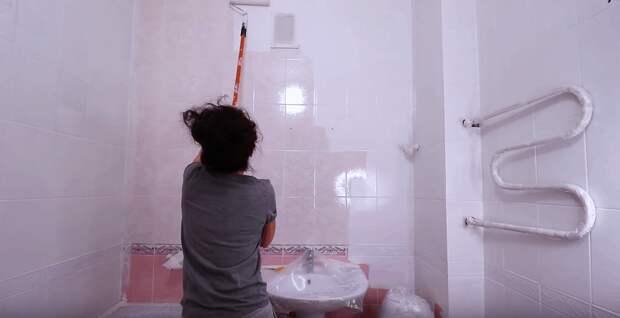Новая ванная буквально за выходные, без лишней пыли и затрат! Просто красим кафель