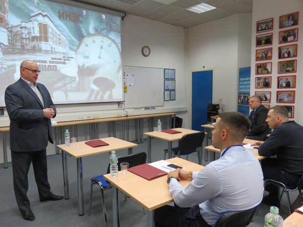 Управление в условиях глобального кризиса: оборонщики повышают квалификацию в ИНЭС