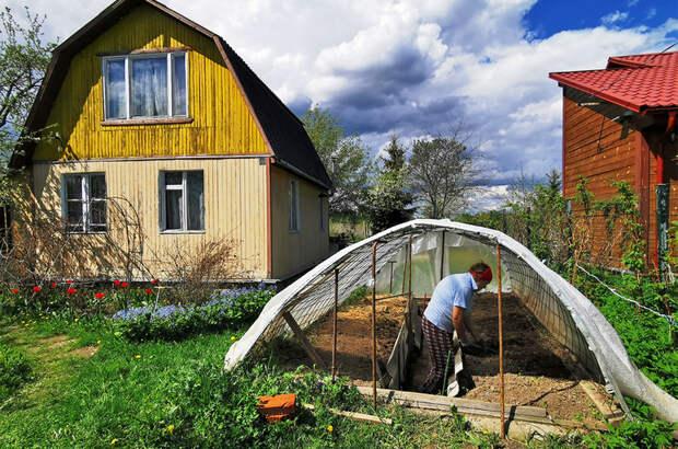 Жизнь на селе должна быть не хуже жизни городах, заявил Медведев