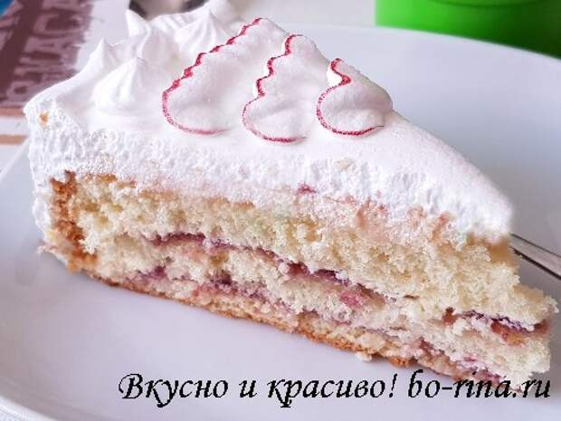 biskvitnyiy-tort-s-belkovyim-i-chiz-kremom