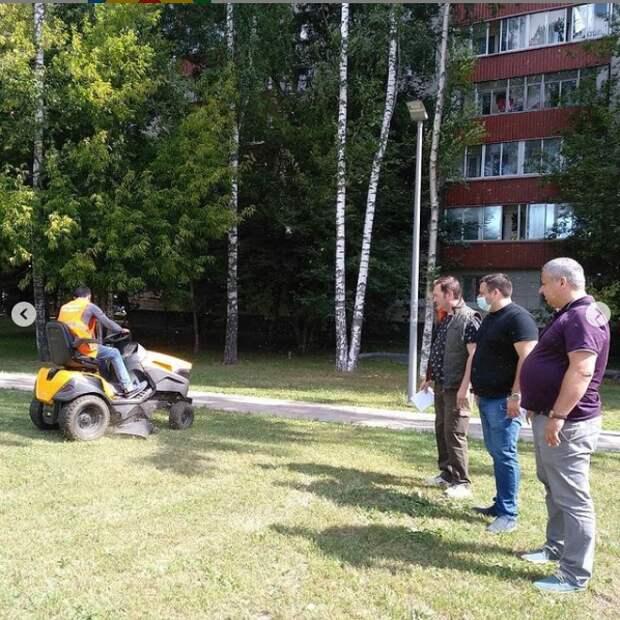 Власти района Ховрино провели субботний обход территории