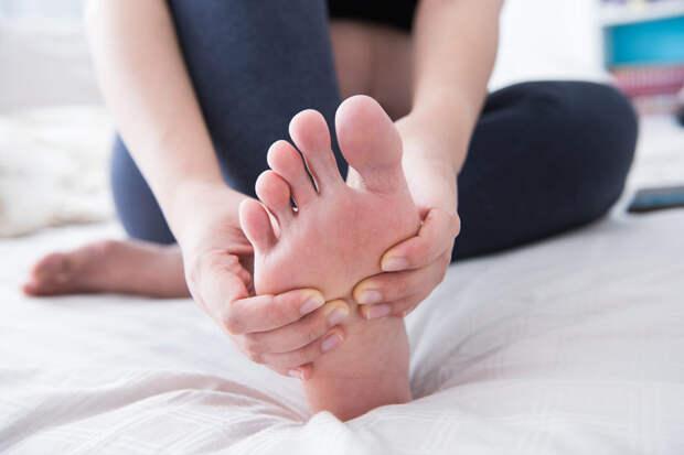 8 домашних средств, чтобы избавиться от отеков рук и ног