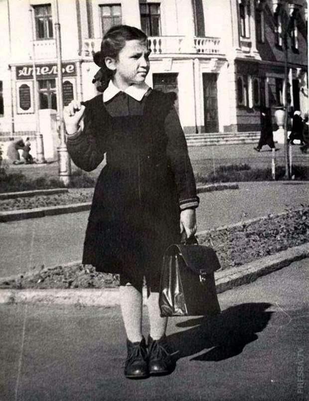 Школьная форма в России