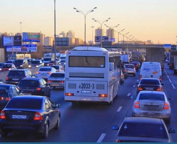 В России вступает в силу новый стандарт на автомобильные номера