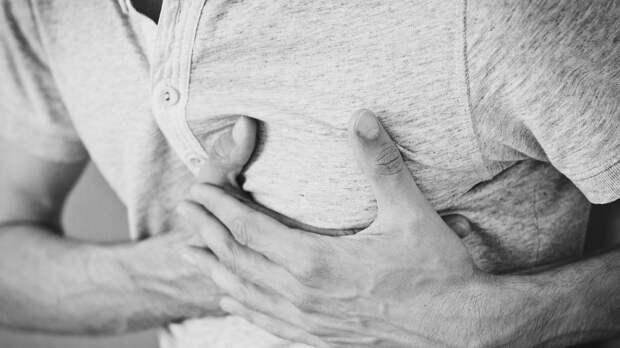 Россиянам напомнили о смертельной опасности болей в сердце