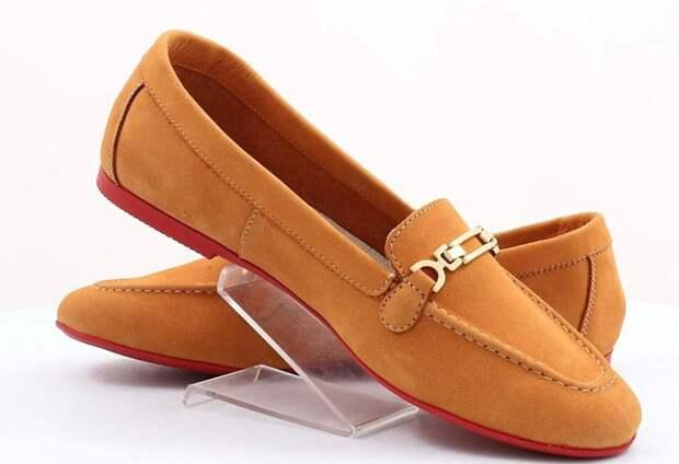 Какую обувь без каблука стоит носить прохладными летними вечерами: стильно, модно и удобно
