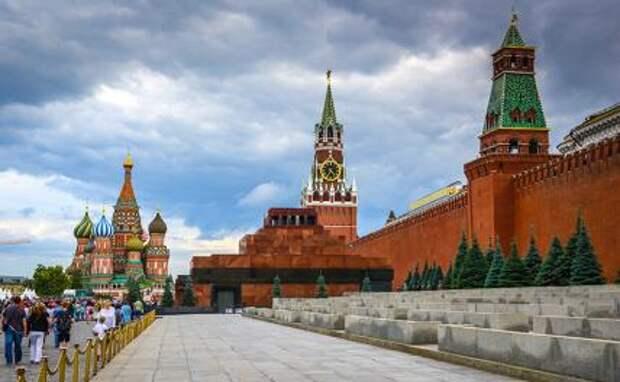 Кому нужна очередная шумиха вокруг Мавзолея Ленина?