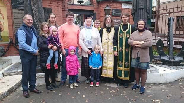 Какие они - знаменитые многодетные папы?