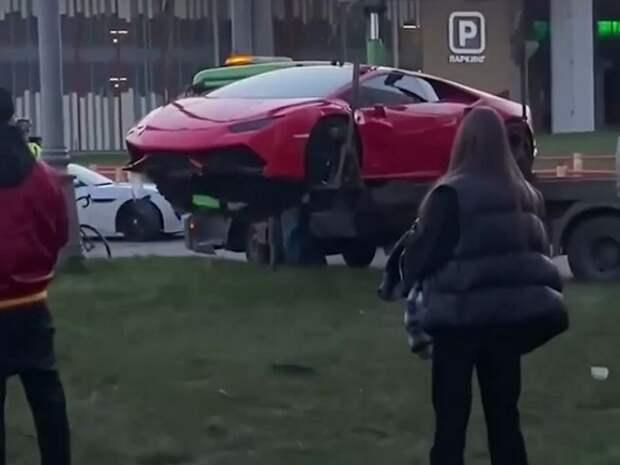 У «Москва-Сити» столкнулись Lamborghini, Porsche и Infiniti