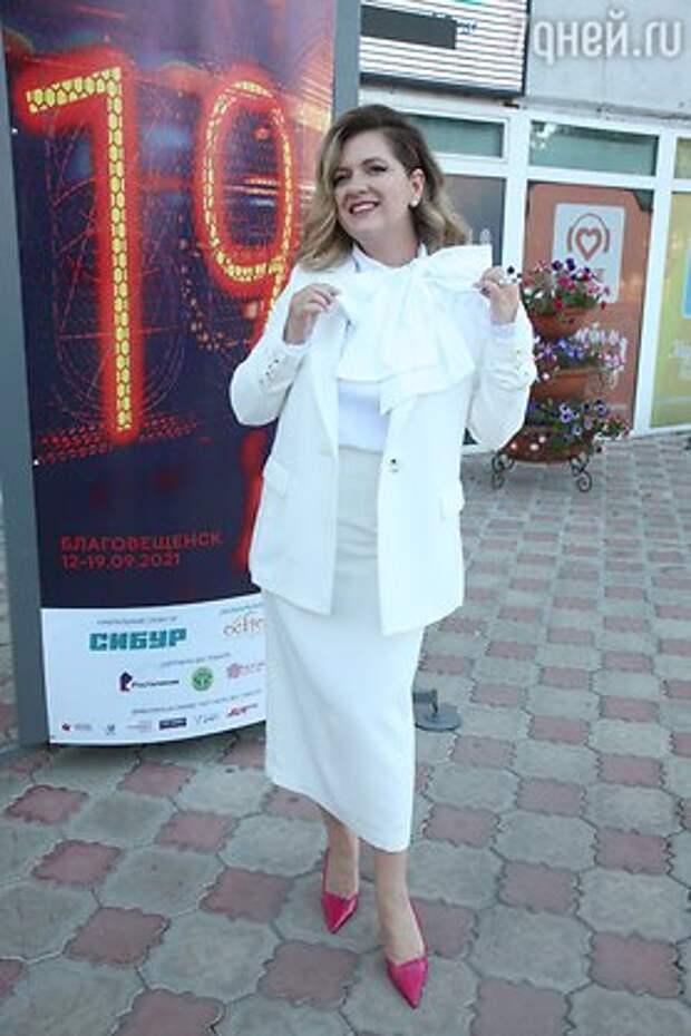 Изменившаяся до неузнаваемости звезда «Сватов» Олеся Железняк появилась на публике