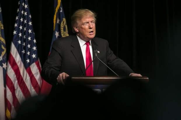 Трамп назвал ужасно скучной новую книгу Вудворда о нем