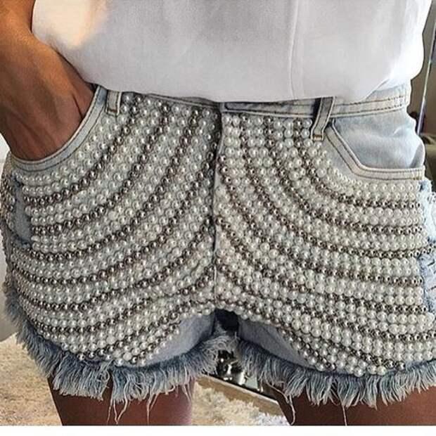 Джинсовые шорты с отделкой