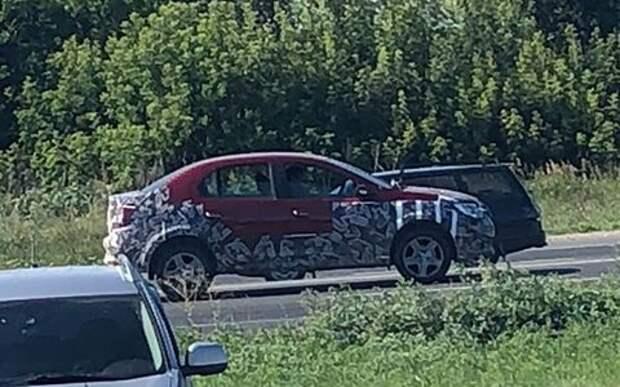 Кросс-версия Renault Logan: первые фото