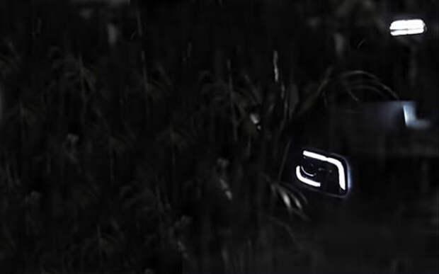 Новый кроссовер Mercedes-Benz: рычит и моргает фарами