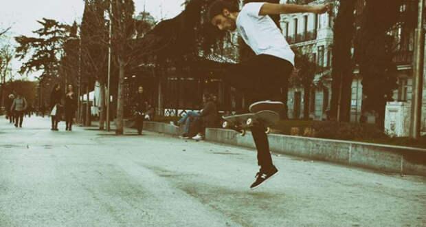 «Потеря зрения кардинально улучшила мою жизнь»: ослепнув, 18-летний испанец решил посвятить жизнь скейту
