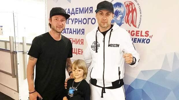 «Готовим кое-что интересное». Плющенко выложил фото с бывшим мужем Аланы Мамаевой, отсидевшим в тюрьме