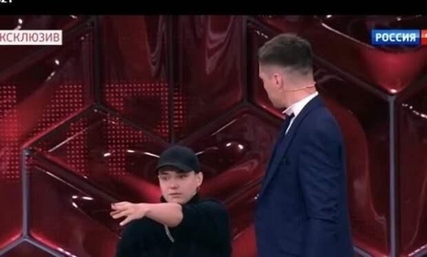 """Сын Романа Малькова: """" У меня есть любимый папа и любимая мачеха, ты мне не мама"""""""