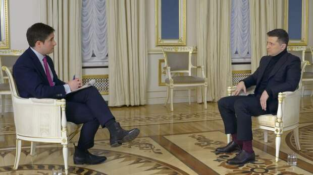 Зеленский дал интервью программе Axios на телеканале HBO. Фото Axios